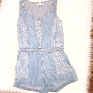 Forever 21 life in progress Small Chambray romper